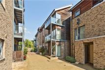 Flat for sale in Lynfield Court...