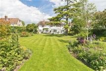 5 bed Detached property in Queen Ediths Way...