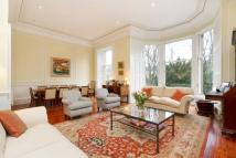 16 Glencairn Crescent Flat for sale