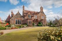 7 bedroom Detached property in Cardon...
