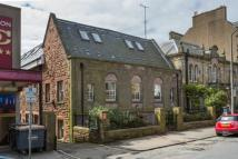 Character Property in 4/4 Newbattle Terrace...