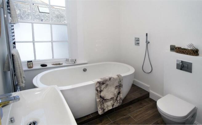 Family Bath/Shower