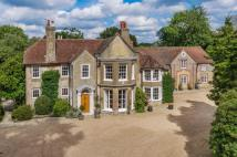 8 bedroom Detached house in Rectory Lane, Bramshott...