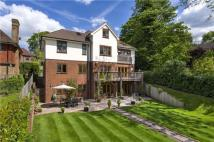 5 bed Detached house in Poyle Road, Guildford...