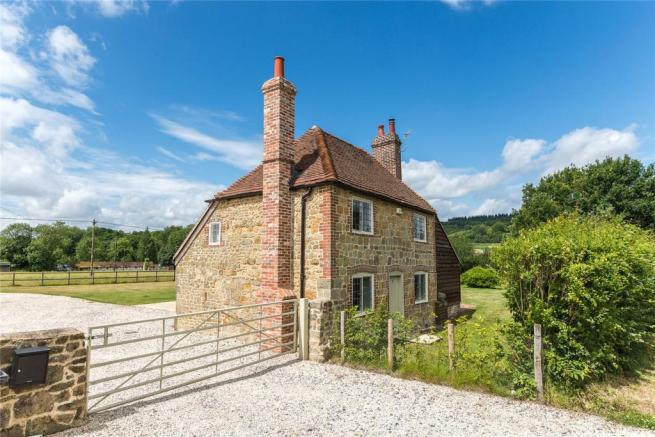 2 Bedroom Equestrian Facility For Sale In Milland Lane Liphook