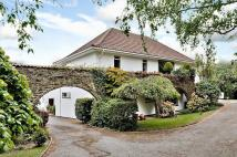 Detached property in Happyford...