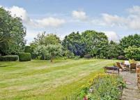 5 bedroom Detached home in Old Manor House...