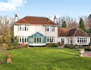 5 bed Detached property in Cropwell Road...