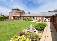 5 bed semi detached property in Wrotham Hill Road...