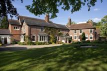 8 bedroom property in Hadlow Road East...
