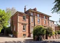 6 bed property in Tonbridge, Kent, TN9 1NW