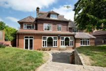 Detached house in Avenue Road, Sevenoaks...