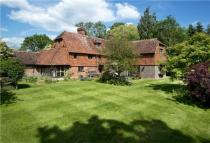 5 bedroom Detached house in Main Road, Crockham Hill...