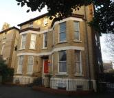 2 bedroom Flat in Brompton Avenue...