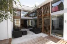 4 bedroom property for sale in Woodlawn Road, Fulham...