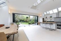 6 bed semi detached home in Lyford Road, Wandsworth...