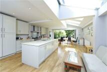 semi detached house in Elsynge Road, London...