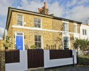 2 bedroom house in Buckingham Road...