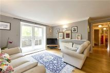 2 bedroom Flat in Melville Place, London...