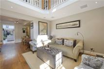 3 bed Terraced house for sale in Gibson Square, London...