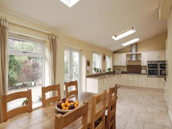 3 bedroom semi detached house for sale in the drive for 3 bedroom house extension ideas