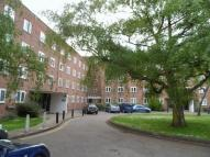 Flat in Friern Court...