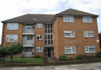 Studio flat to rent in Southmount, High Road...