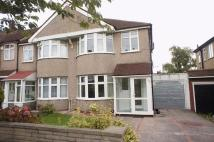 3 bedroom semi detached property to rent in Weirdale Avenue...