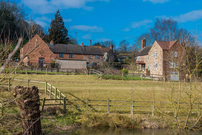 Sherbourne Farm together with its Cottages