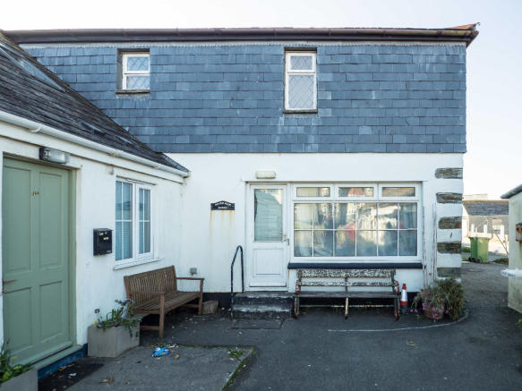 4 Bedroom Semi Detached House For Sale In New Road Port