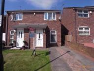 2 bedroom semi detached house to rent in Topcliff, Roker...