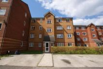 Flat to rent in Bream Close, London, N17