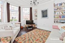 2 bedroom Flat in Duckett Road...