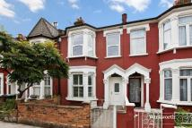 3 bed Terraced house for sale in Effingham Road...