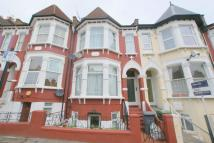Flat to rent in Pemberton Road...