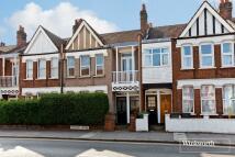 Flat in Westbury Avenue, London...