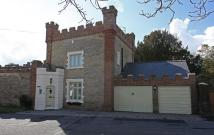 2 bedroom Detached property in The Gate House...