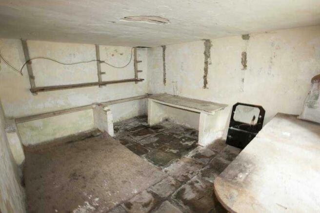 Cellar not sharp no light