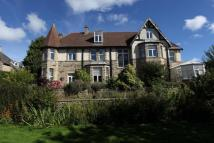 8 bed Detached home in Flatts Road...