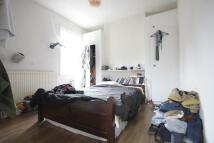 3 bed Flat in Hamlets Way, London, E3