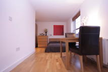 Studio flat in Black Prince Road...