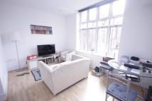 Apartment to rent in Henriques Street, London...