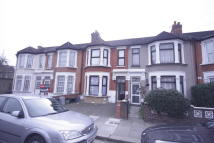 Ground Flat to rent in Cowley Road, Ilford, IG1
