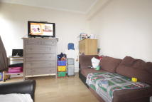 Flat to rent in Bronti Close, London...