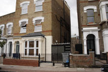 Studio apartment to rent in FOULDEN ROAD, London, N16