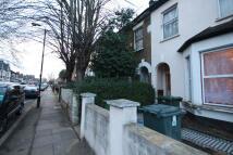 Clova Road Terraced property to rent