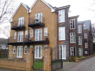 2 bed Apartment in Eastlands Way, Oxted...