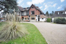 3 bed house in Limpsfield, Oxted, Surrey