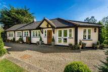 Bungalow for sale in Tilburstow Hill Road...