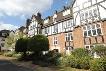 3 bedroom Flat in Wildcroft Manor...